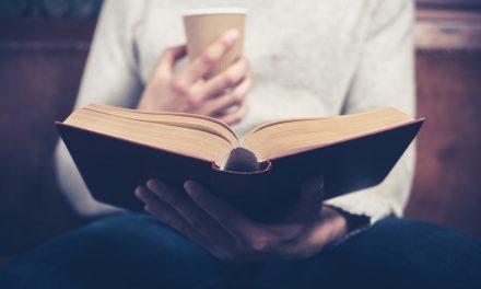 Baca Buku | Puisi Ummi Ulfatus Syahriyah