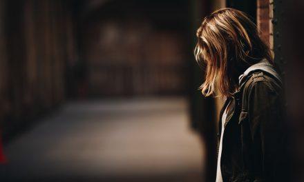 Ilusi Jarak (Untukmu Yang Sedang Berusaha Melepas) | Memoar Naila Aulia