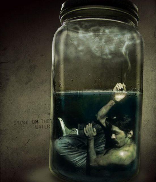 Insomnia dalam Stoples Kaca | Cerpen Robbyan Abel Ramdhon