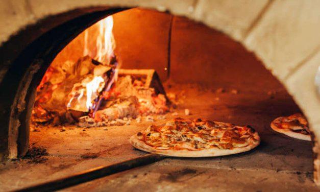 Restoran Pizza | Cerpen Bulan Nurguna